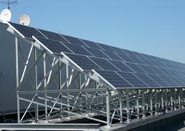 太陽光モジュール設置完了